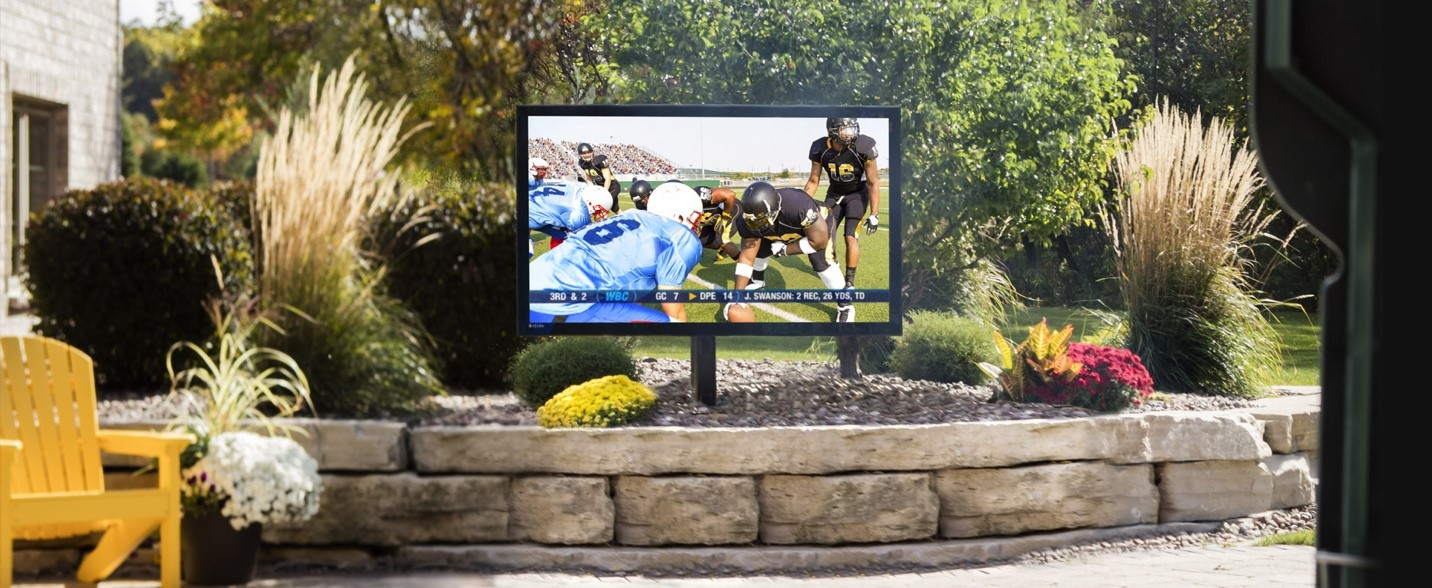 Essential Elements of an Outdoor Entertainment System